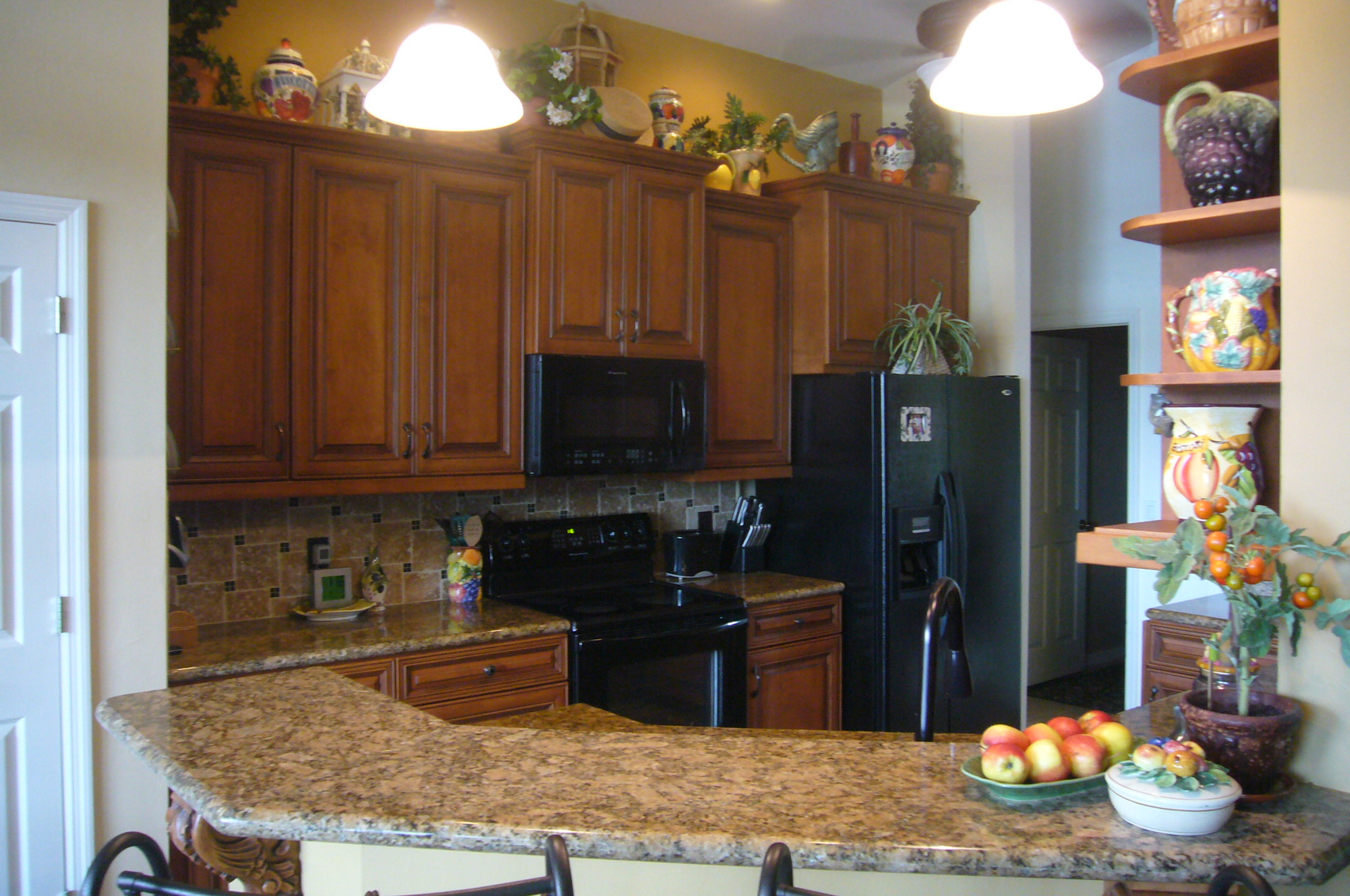 Custom Kitchen cabinets Naples fl, Refacing Kitchen, counter tops